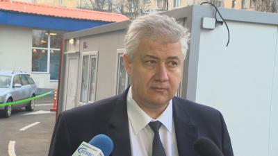 Проф. Балтов: Зелени коридори за желаещите да се ваксинират ще има и през следващите дни