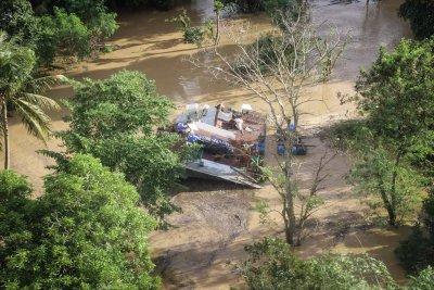 Над 50 000 евакуирани във Филипините заради приближаваща буря