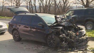 Тежка катастрофа с челен удар затрудни трафика във Варна (СНИМКИ)