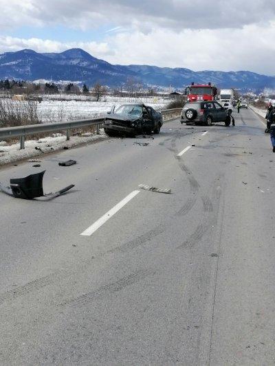 Верижна катастрофа затвори пътя Велинград - Костандово