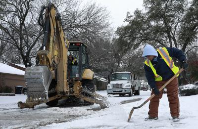 Милиони в Тексас имат проблеми с водоснабдяването заради студовете