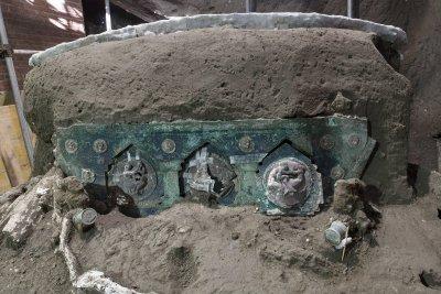 Уникална находка от древен Помпей: церемониална колесница за знатни личности