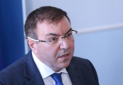 """Остро писмо на здравния министър до """"Астра Зенека"""""""