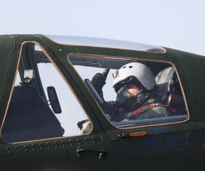 Каракачанов в полет на модернизиран самолет СУ 25 (ВИДЕО)