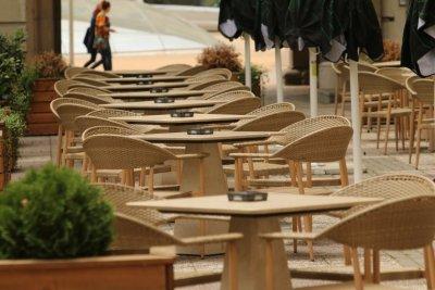 Стотици обяви за набиране на персонал, в Пловдив най-търсени са готвачите