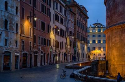 Италия удължава мерките до католическия Великден