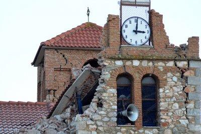 Продължават вторичните трусове в Гърция (Снимки)
