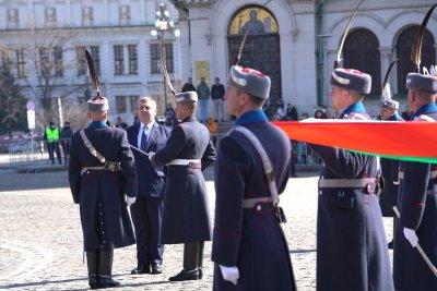 Каракачанов: Каквото и да правят политиците, има дати, символи, каузи, които ни обединяват