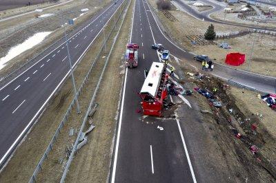 6-има загинали и 40 ранени при катастрофа на украински автобус в Полша