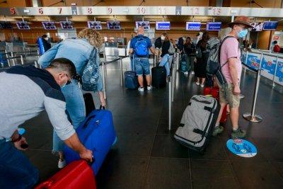 Нови изисквания за пътниците, които тръгват от Англия за чужбина