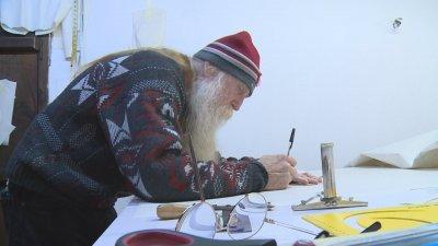 Ново начало на 70: Американец от Аляска учи моден дизайн в Благоевград