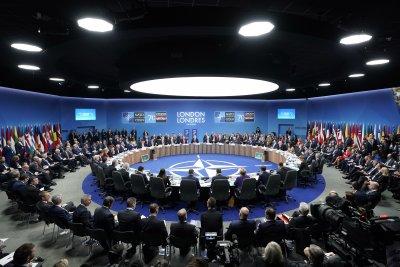 """""""НАТО 2030"""": Как съюзът ще излезе от """"мозъчната смърт"""""""