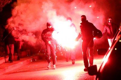 Протести срещу полицейското насилие в Атина