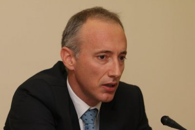 Красимир Вълчев: Засега няма решение за общо затваряне на училищата