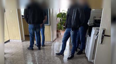 Двама разследващи полицаи от ГПУ-Калотина са предадени на съд за изнудване