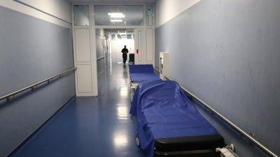"""Без планов прием и свиждания в болниците от области в """"червена зона"""""""