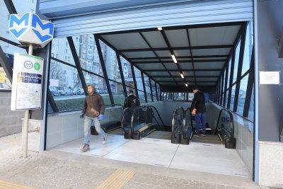 От утре: Пускат метрото в ремонтирания участък от третата линия