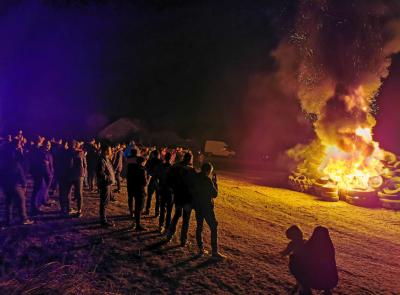 Нерегламентиран палеж на гуми в село Момково за Сирни Заговезни