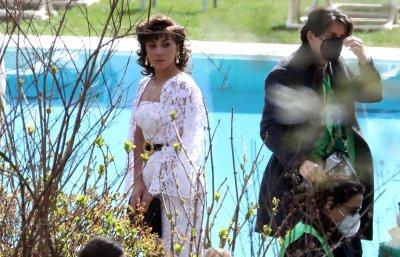 Новата роля на Лейди Гага в киното: Черната вдовица Патриция Реджиани (Снимки)
