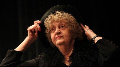 Последно сбогом с Татяна Лолова в петък, в Сатиричния театър