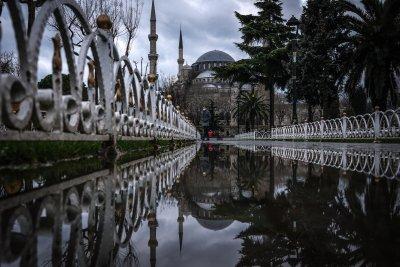 Рекорден срив на турската лира