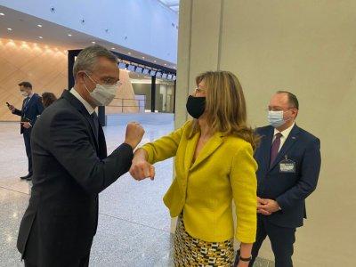 Захариева е разговаряла с генералния секретар на НАТО за шпионската афера София - Москва