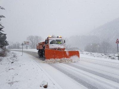 Зимната обстановка в страната - вижте ограниченията по пътищата