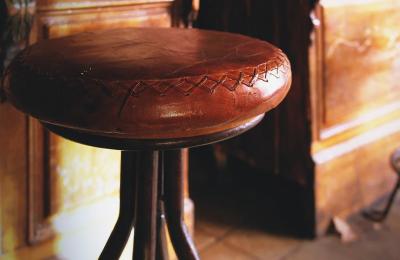 Мъж уби свой познат с бар-стол във Варненско