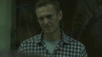 Състоянието на Навални се влошава, властите го лишават от сън