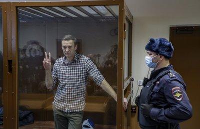 Навални е свалил 8 килограма още преди гладната стачка