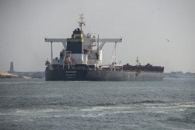 След кризата в Суецкия канал: 140 кораба се очаква да преминат