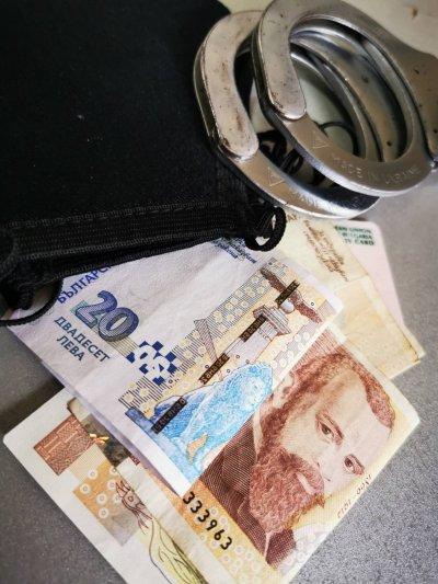 Задържаха 15-годишен, изтеглил бързи кредити с чужда лична карта в Асеновград