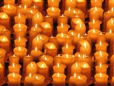 Швейцария почита с виртуално бдение жертвите на COVID-19