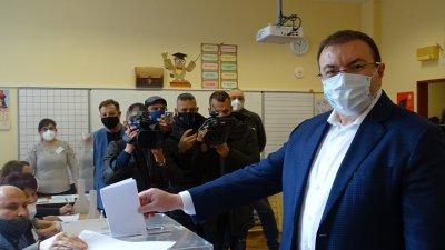 Проф. Костадин Ангелов: Гласувах за това, за което се боря всеки ден - здравето