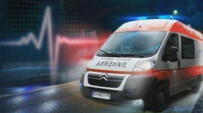 Камион и трамвай се удариха в София, ватманът е откаран в болница
