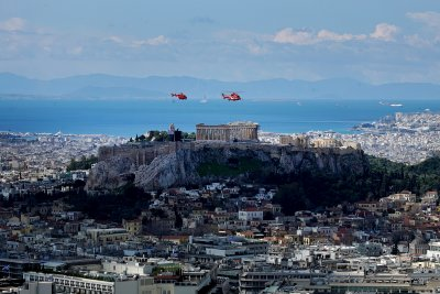 """Гърция """"инжектира"""" ресторанти, кафенета и барове с 330 милиона евро"""