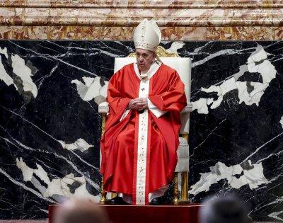 Католиците празнуват Палмова неделя (Снимки)