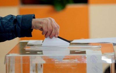 17,27% е избирателната активност в Добрич до 12.00 часа