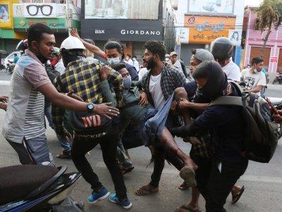 Светът осъди насилието в Мианмар
