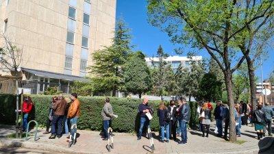 Дълга опашка за гласуване в Мадрид