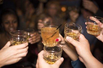 Забраняват алкохола в заведенията в Тайланд заради COVID-19