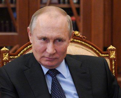 Путин си сложи втората доза ваксина срещу COVID-19