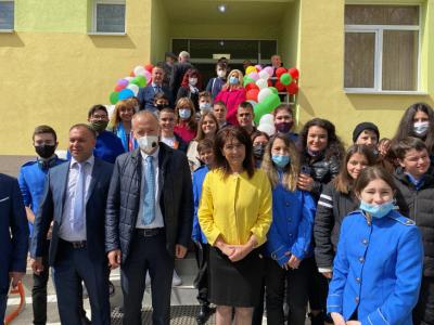 Министър Вълчев се надява, че следващата учебна година ще започне присъствено