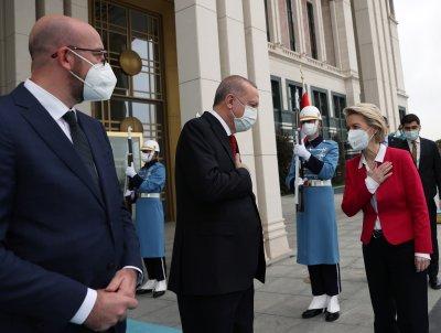 Шарл Мишел и Урсула фон дер Лайен ще разговарят с Ердоган в Анкара