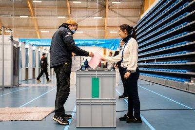Предсрочни избори в Гренландия: Залог е икономическото възстановяване