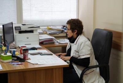 """Няма желаещи за ваксинация с """"Астра Зенека"""" в кабинета за хора над 65 г. в """"Св. Иван Рилски"""""""
