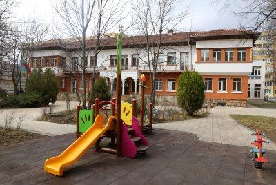 Отвориха яслите и детските градини