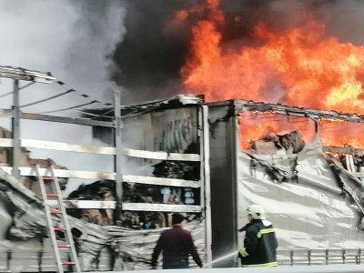 """Камион се запали на АМ """"Хемус"""""""