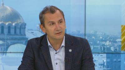 Михаил Околийски: Не може да бъде поставена втора доза от различна ваксина