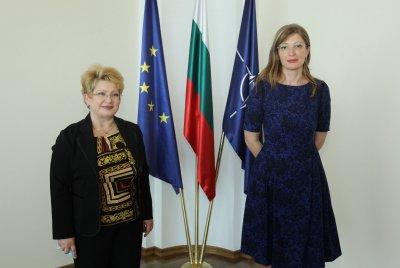 """България и Румъния трябва да работят заедно в рамките на инициативата """"Три морета"""""""